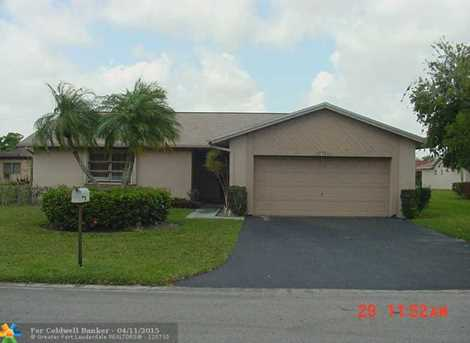 7013 NW 103rd Ave - Photo 1