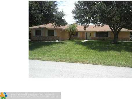 11231 NW 27th St - Photo 1