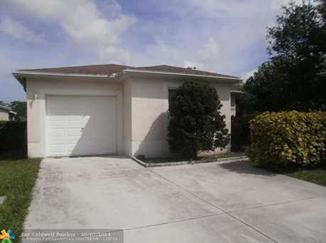 1232 SW 46th Ter - Photo 1