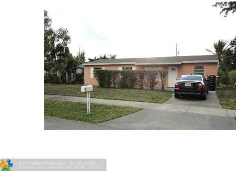 1511 SW 63rd Ave - Photo 1