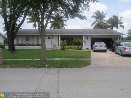 11401 NW 22nd St - Photo 1