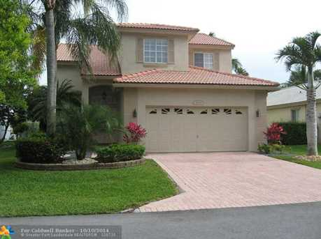 4540 NW 7th St - Photo 1