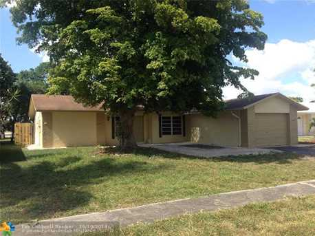 9361 NW 39th Ct - Photo 1