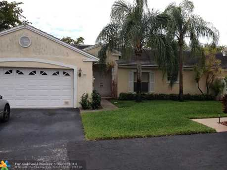 9541 NW 9 Ct - Photo 1