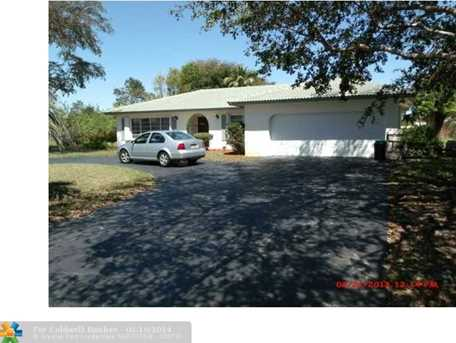 11301 NW 23 Ct - Photo 1