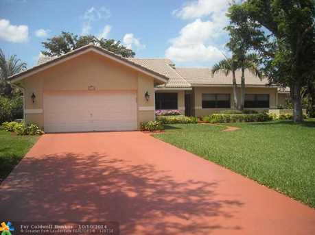8133 NW 53rd Ct - Photo 1