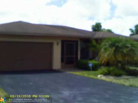 8220 NW 95th Ave - Photo 1