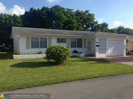 4508 NW 44th St - Photo 1