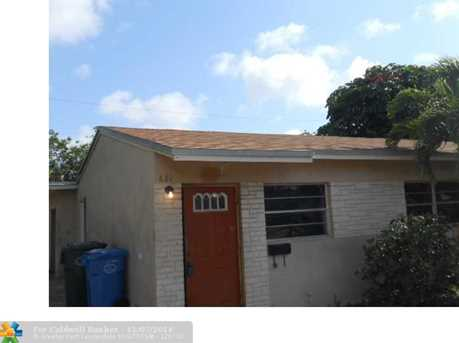 621 NE 56th Ct - Photo 1