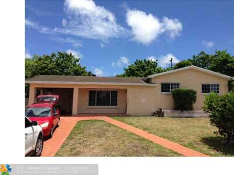 911 NW 185th Dr - Photo 1