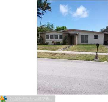 260 NE 40th Ct - Photo 1