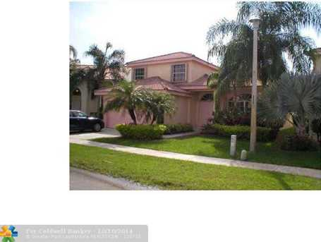 561 SW 181st Ave - Photo 1