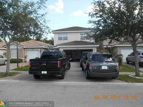 9302 NW 54th St - Photo 1
