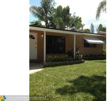 638 SW 5th Ave - Photo 1