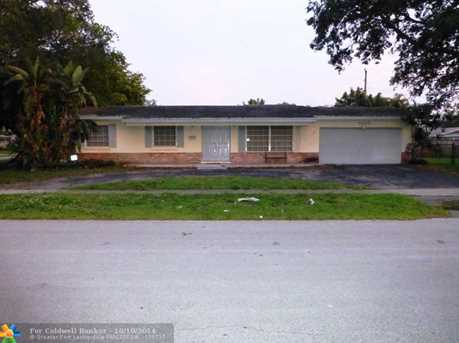 7430 NW 11th Ct - Photo 1