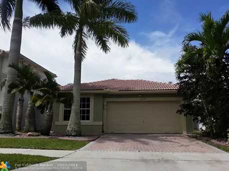11630 NW 54th St - Photo 1
