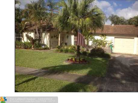 800 SW 55th Ave - Photo 1