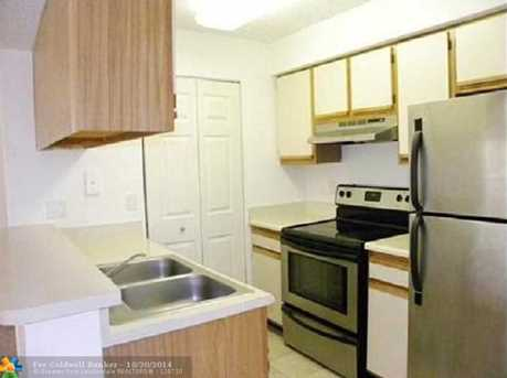 1225 SW 46th Ave, Unit # 204 - Photo 1