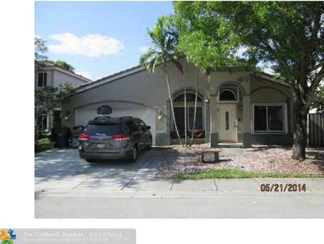 10750 SW 14th Ct - Photo 1