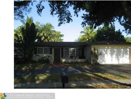 2040 NW 108th Ave - Photo 1