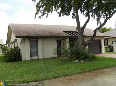 1951 SW 16th Ct - Photo 1