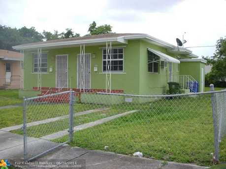 1010 NW 41st St - Photo 1