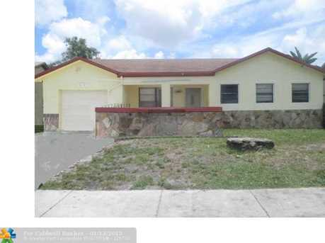 8413 SW 19th St - Photo 1
