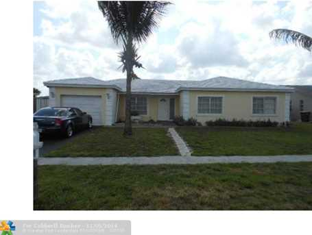 8204 NW 74th Ave - Photo 1