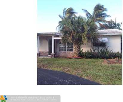 1721 NW 45th St - Photo 1