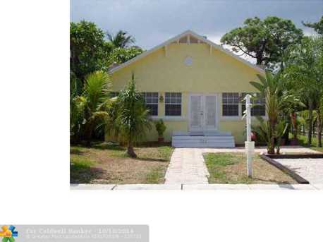 623 SW 5th Ave - Photo 1