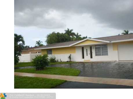6080 SW 13th St - Photo 1