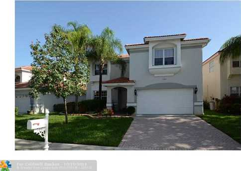 7447 NW 25th St - Photo 1