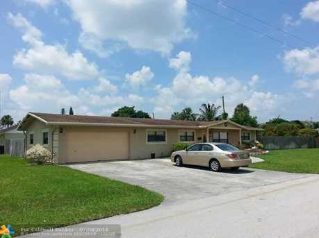 6200 NW 9th St - Photo 1