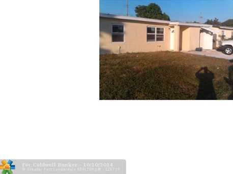 3043 NW 4th St - Photo 1