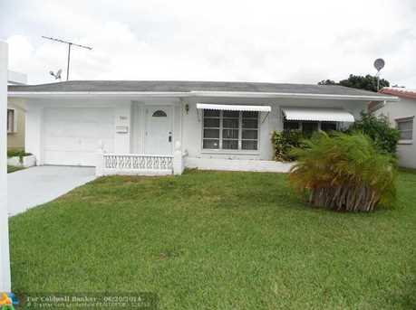 5011 NW 50th St - Photo 1