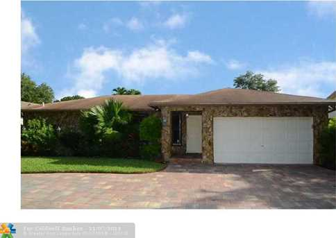 10935 NW 21 St - Photo 1