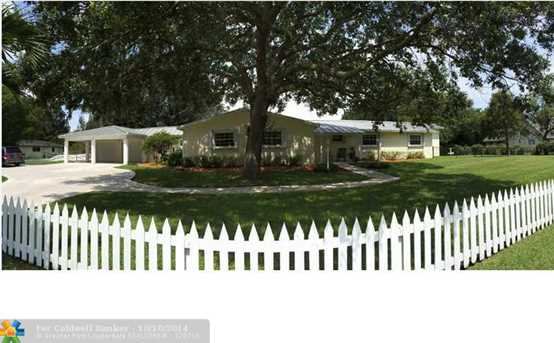 4201 SW 101st Ave - Photo 1