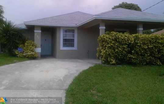 231 NW 12th Ct - Photo 1