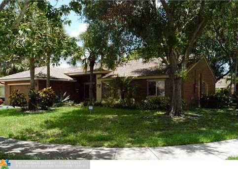 5502 NW 41st Ave - Photo 1