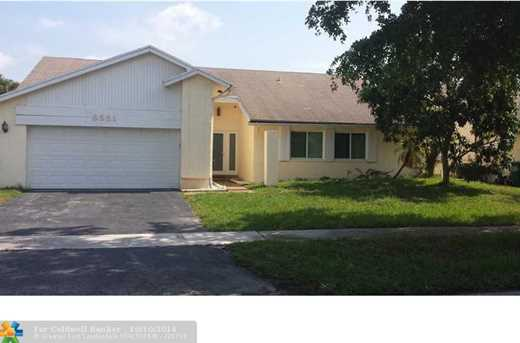 8561 NW 46th Ct - Photo 1