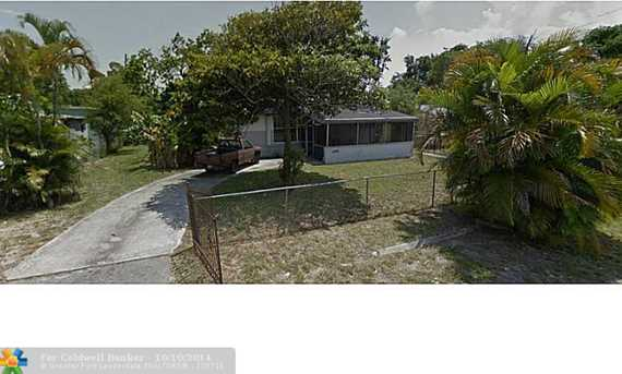 2910 NW 166th St - Photo 1