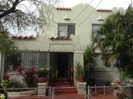 128 NW 9th Ave - Photo 1