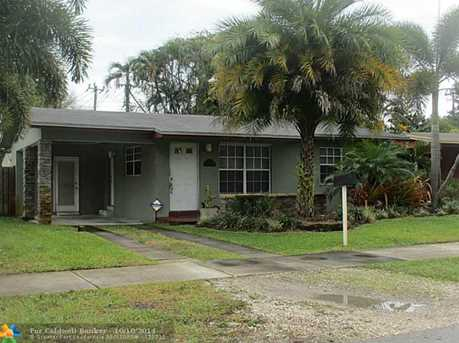 1022 SW 22nd Ave - Photo 1