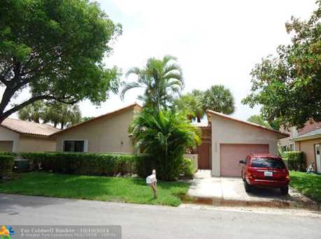 223 NW 47th Ave - Photo 1