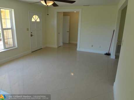 615 NW 3rd St - Photo 1