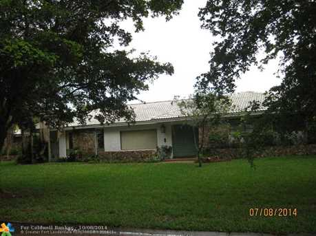 10760 NW 24th St - Photo 1