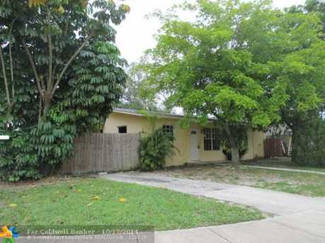 3101 SW 47th Ave - Photo 1