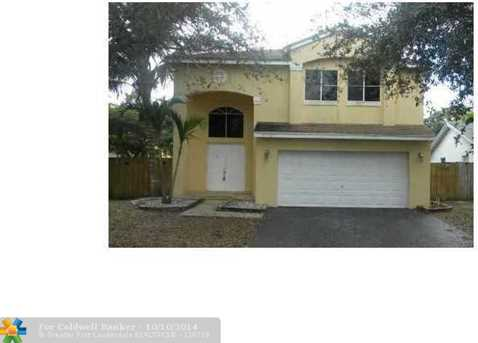 4736 NW 14th St - Photo 1