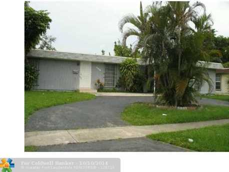 7905 NW 75th Ave - Photo 1