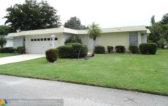 7108 NW 68th St - Photo 1